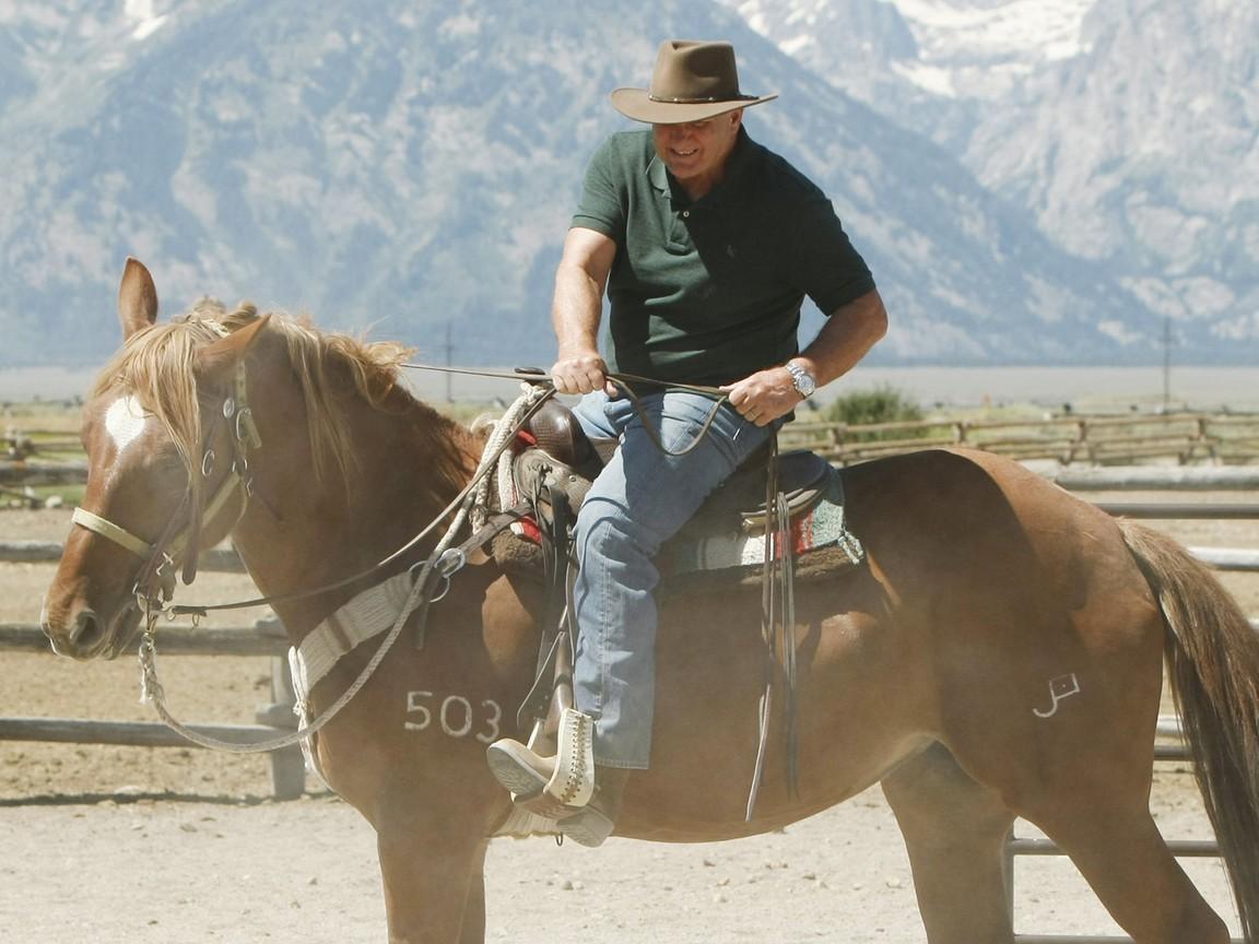 Modern Family - Season 3 Episode 01: Dude Ranch