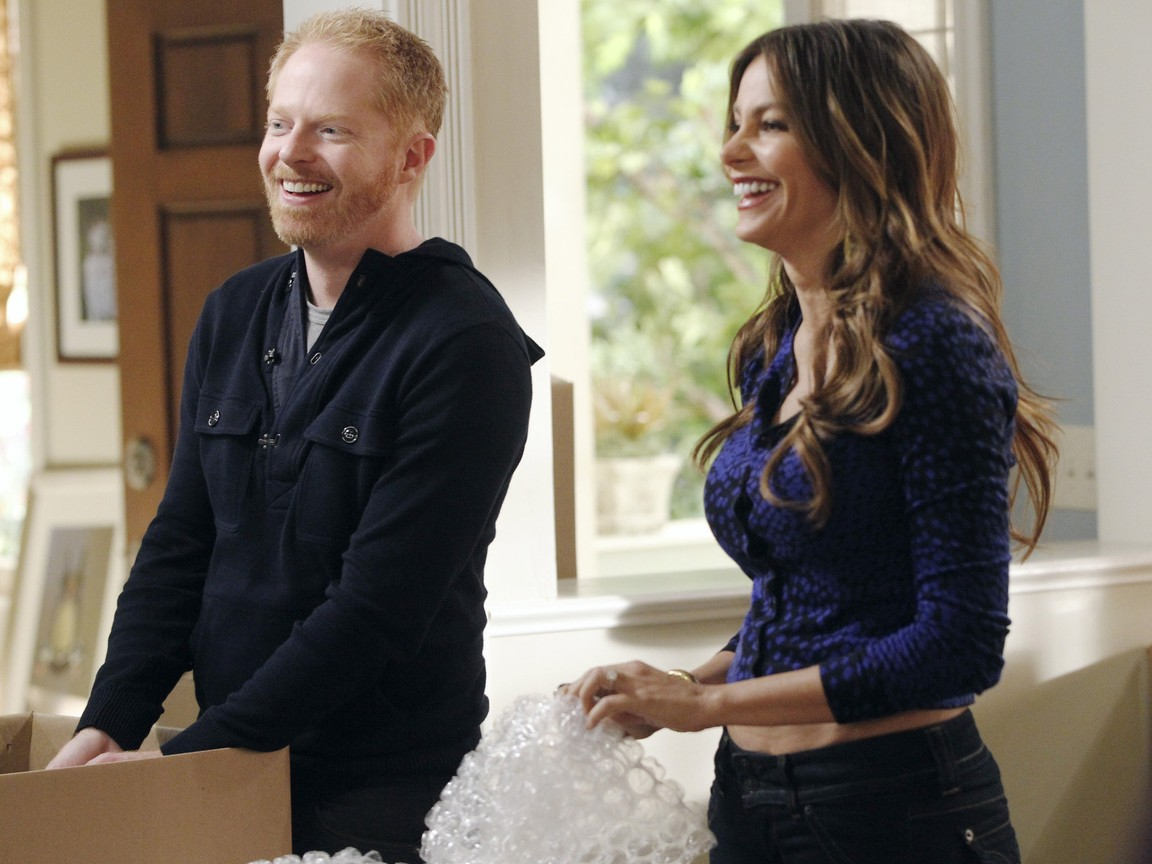 Modern Family - Season 3 Episode 08: After the Fire