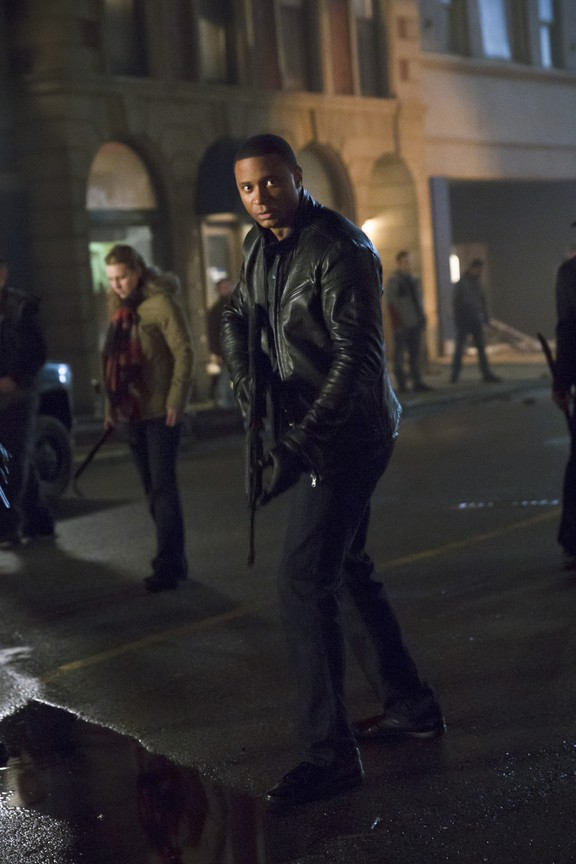 Arrow - Season 3 Episode 12: Uprising