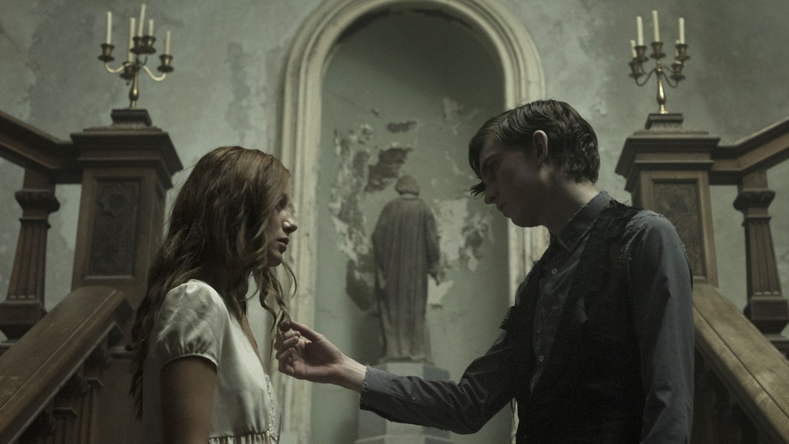 The Lodgers [Sub: Eng]