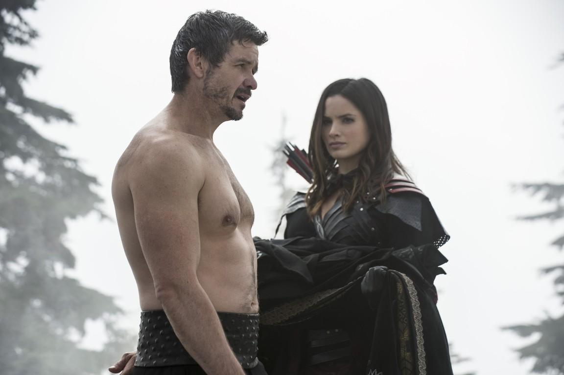 Arrow - Season 3 Episode 09: The Climb