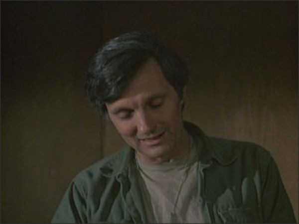M*A*S*H - Season 4 Episode 20: Some 38th Parallels