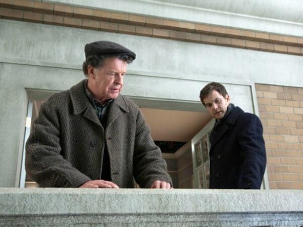 Fringe - Season 3 Episode 14: 6B