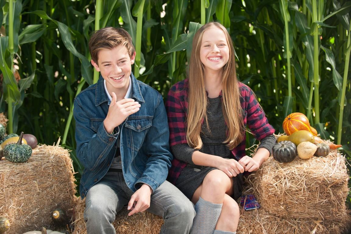 Life in Pieces - Season 1 Episode 08: Godparent Turkey Corn Farts