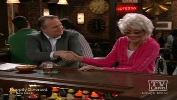 Hot in Cleveland - Season 2 Episode 13: Unseparated at Birthdates