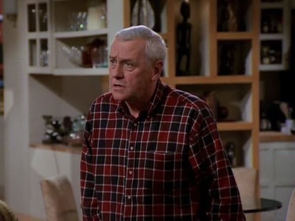 Frasier - Season 4 Episode 22: Are You Being Served?
