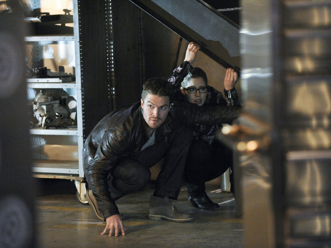 Arrow - Season 2 Episode 19: The Man Under the Hood
