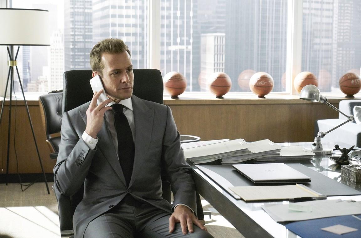 Suits - Season 8 Episode 03: Promises, Promises