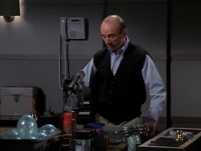 Frasier - Season 4 Episode 18: Ham Radio