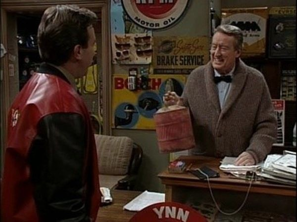 Home Improvement - Season 6 Episode 09: The Tool Man Delivers