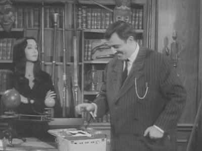 The Addams Family - Season 2 Episode 25: Addams Cum Laude