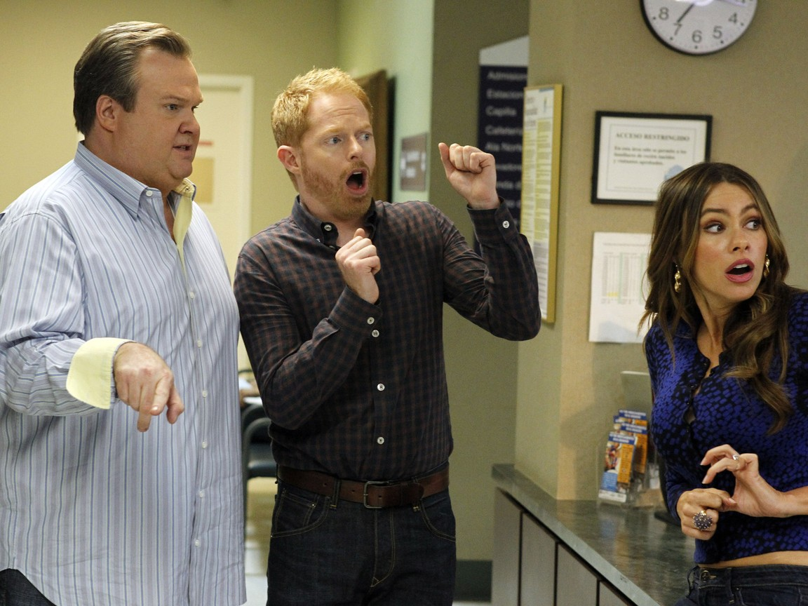 Modern Family - Season 3 Episode 24: Baby on Board