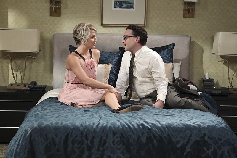 The Big Bang Theory - Season 9 Episode 01: The Matrimonial Momentum