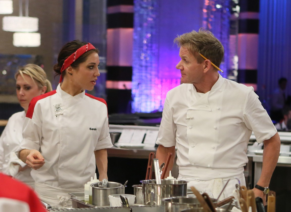 Hell's Kitchen - Season 14 Episode 01: 18 Chefs Compete